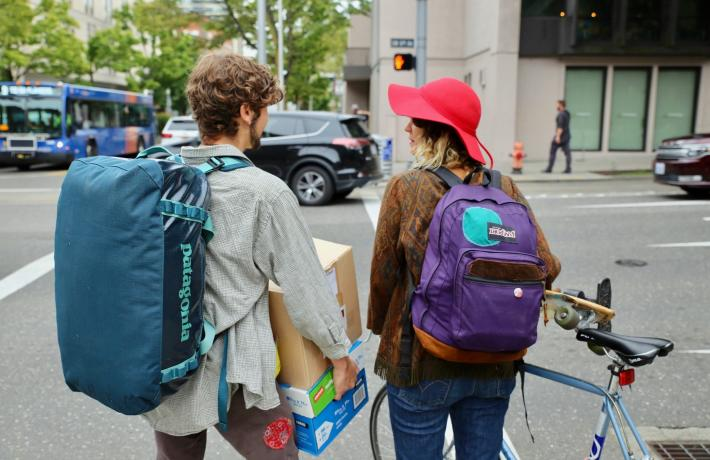 Students moving into campus housing