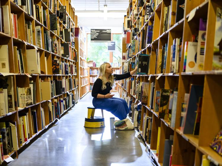 Student in Powell's Books