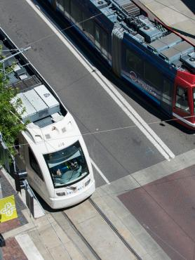 max train and portland streetcar stopped at sw 5th avenue